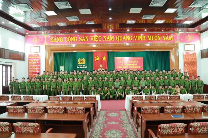 Tham gia tập huấn có 120 cán bộ, chiến sĩ đang công tác trong khối cơ quan Cảnh sát điều tra thuộc Công an tỉnh Thừa Thiên Huế.