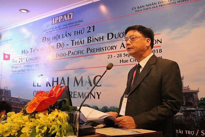 GS.TS. Phạm Văn Đức - Phó Chủ tịch Viện Hàn lâm Khoa học xã hội Việt Nam phát biểu tại lễ khai mạc.