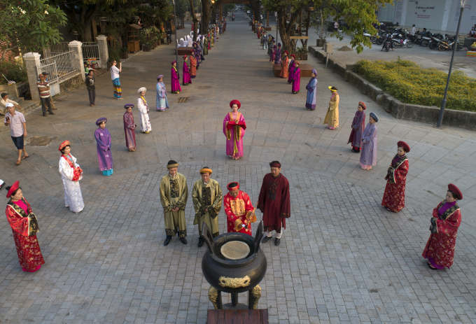 Ông Nguyễn Đăng Thạnh – Phó chủ tịch UBND thành phố Huế cùng 2 nhà sáng lập làm chủ Lễ.