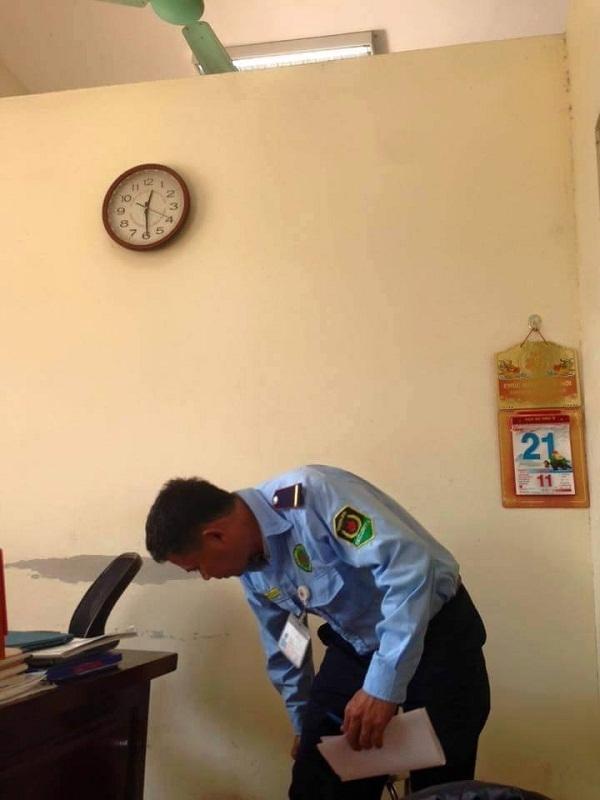 Nhân viên bảo vệ Trần Văn Đông tại cơ quan công an