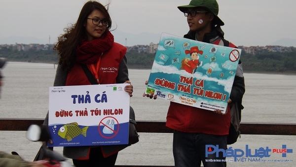 Những khẩu hiệu được tuyên truyền để giúp mọi người ý thức hơn trong việc phóng sinh cá chép.