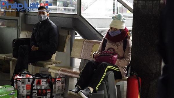 Trong cái lạnh mùa đông, tuy nhiên cũng không vơi đi được cảm giác được về quê ăn tết của mọi người.