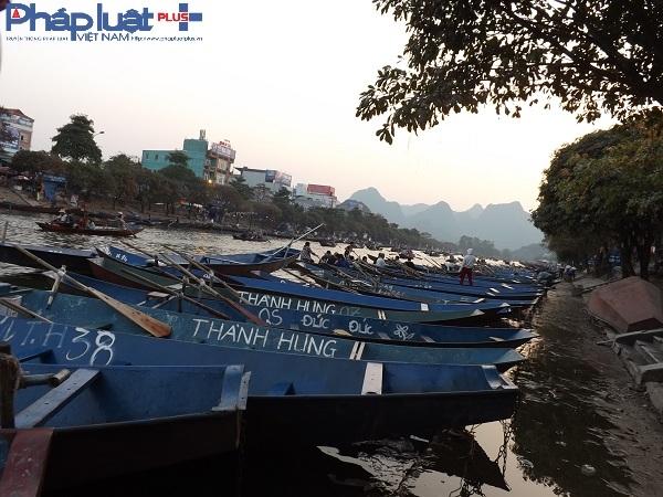 Hàng nghìn chiếc thuyền đã được chuẩn bị để phục vụ du khách.