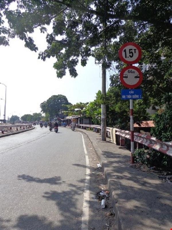 Cầu Nhị Thiên Đường cũ hiện chỉ cho phép xe có tải trọng 1,5 tấn lưu thông.