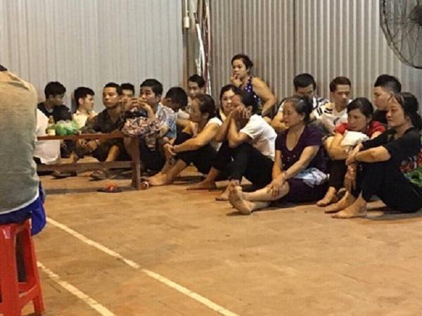 Gần 80 con bạc bị bắt giữ (ảnh Lao Động).
