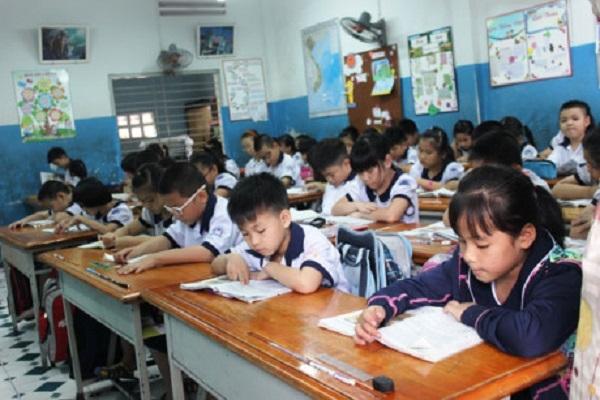 Học sinh học ở trường 2 buổi/ngày là quá đủ, không cần phải giao bài tập về nhà. Ảnh: K.Q