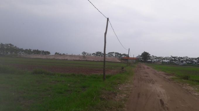 Người dân cho biết những hộ dân mua đất trái thẩm quyền đều chưa được cấp sổ đỏ