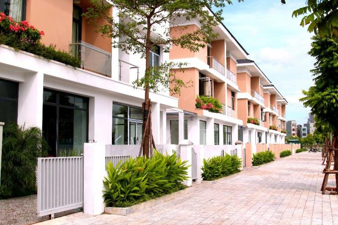 """Lấy cảm hứng thiết kế từ ý tưởng """"Xanh An Lành"""", mật độ xây dựng 60%, các căn biệt thự An Phú Shop-villa được thiết kế sang trọng."""