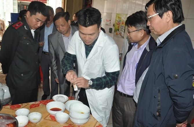 Xét nghiệm bún tại cơ sở dịch vụ ăn uống Sơn Thủy