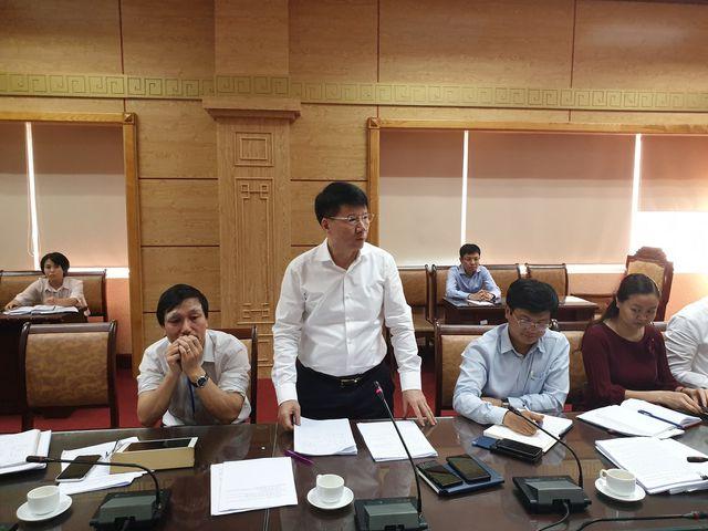 Thứ trưởng Bộ Y tế Trương Quốc Cường phát biểu tại cuộc họp.