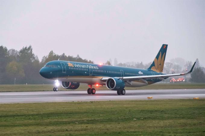 """Các chương trình hướng tới hưởng ứng dịp Tết thiếu nhi năm nay và nằm trong chiến dịch """"Hành trình yêu thương – Flights of Love"""" của Vietnam Airlines."""