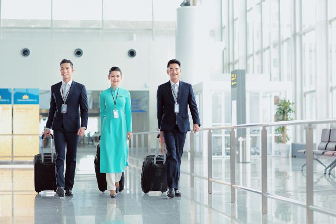 Việc tăng cường kết nối giữa Hà Nội, TP Hồ Chí Minh đã đáp ứng nhu cầu di chuyển bằng đường hàng không của người dân, mà còn mở ra cho du khách những lựa chọn hấp dẫn trong mùa du lịch hè năm nay. Ảnh: Vietnam Airlines cung cấp.