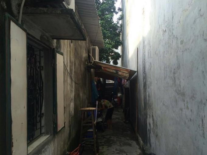 Con ngõ lối đi chung là 1 phần đất công mà gia đình ông Khang, ông Hưng và gia đình bà Hải đã hiến đất theo chủ trương của UBND huyện Gia Lâm từ năm 1986.