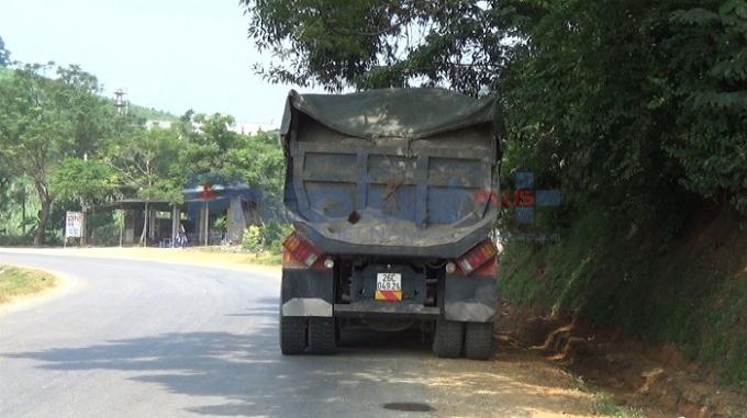 Hòa Bình: Rầm rập xe tải hoành hành trên quốc lộ 6