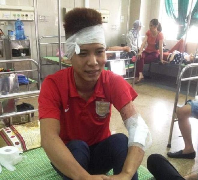 Sau vụ tai nạn hành khách đã được đưa vào bệnh viện đa khoa tỉnh Ninh Bình cấp cứu.  (Ảnh: Báo giao thông).