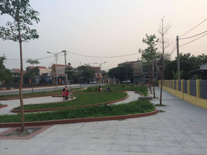 Phần đất mà người dân ở địa phương hiến đất để mở rộng đưởng thẳng lên chùa lại trở thành khu công viên, cây xanh.