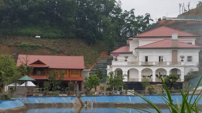 Khu dinh thự khủng của ông Phạm Sỹ Qúy, Giám đốc Sở TNMT tỉnh Yên Bái.