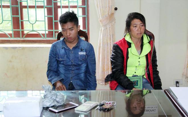 Đối tượng Ly Seo Hòa và Hoàng Thị Pay cùng tang vật bị thu giữ tại cơ quan điều tra.