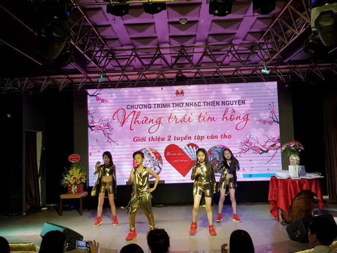 Tiết mục nhảy Dance của các ngôi sao nhí: Bảo Trang, Minh Anh, Quang Tiến...