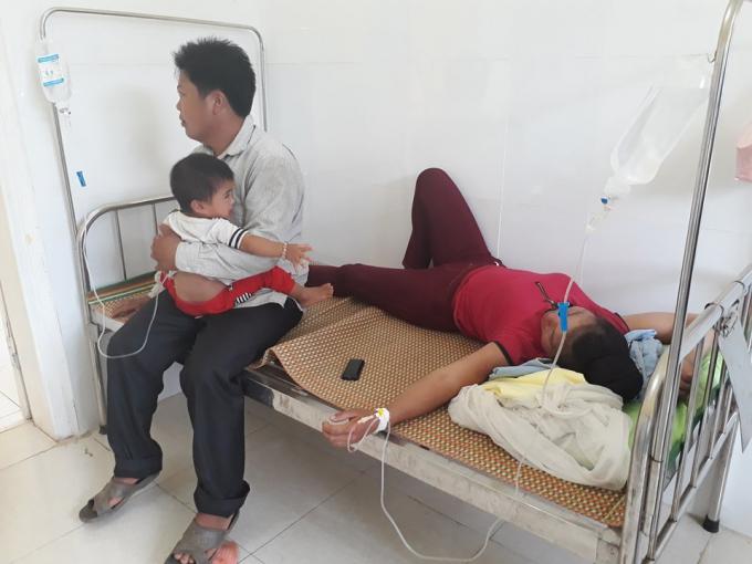 Hơn 141 bệnh nhân phải nhập viện vì ngộ độc sau khi đi ăn đám cưới tại bảnNà Mện xã Nậm Ty huyện Sông Mã, tỉnh Sơn La.