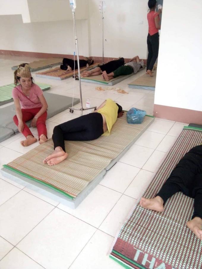 Bệnh viện đa khoa huyện Sông Mã đang trong tình trạng quá tải vì số bệnh nhân tăng cao.