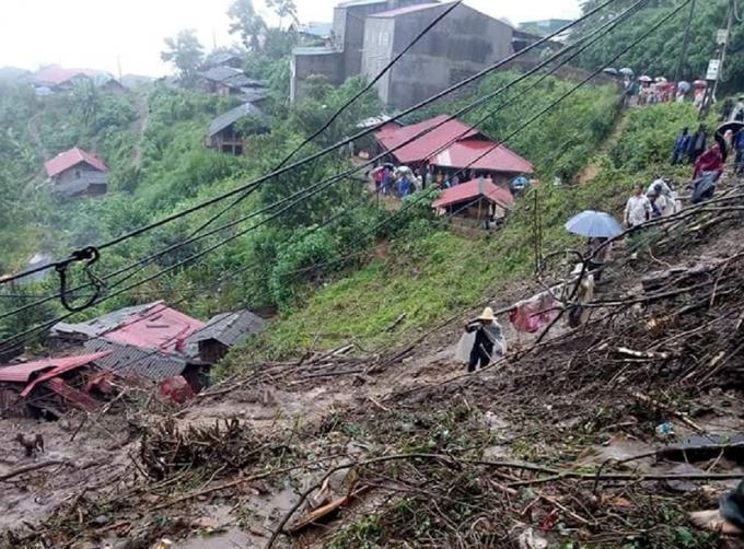 Mưa lũ gây thiệt hại rất lớn về người và tài sản tại Phong Thổ (Lai Châu).