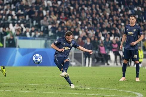 Khoảnh khắc tỏa sáng của Juan Mata là bước ngoặt