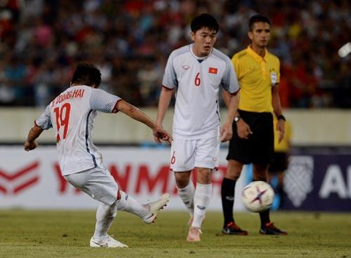 Chuyên gia Châu Á nhận định đội tuyển Việt Nam chơi biến ảo nhất AFF Cup năm 2018.