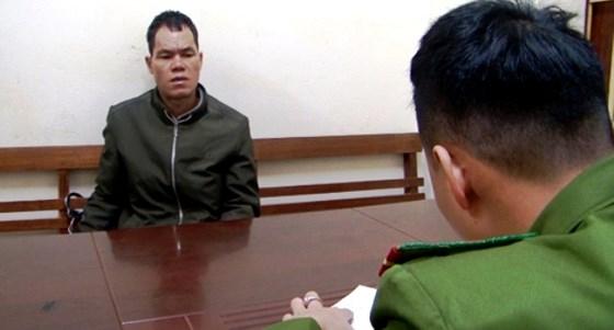 Cơ quan Công an lấy lời khai của đối tượng Lý Văn Cao.