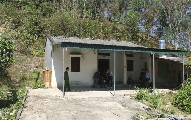 Căn nhà hoang nơi phát hiện thi thể nạn nhân.