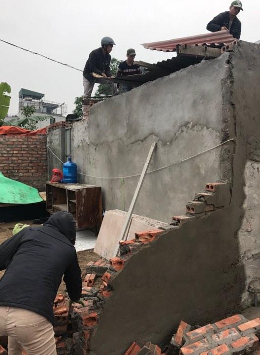 UBND phường Định Công ra quân xử lý tình trạng xây dựng trái phép trên đất nông nghiệp