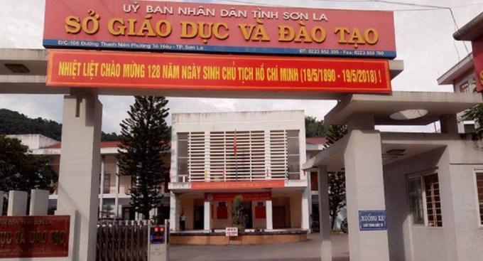 Viện Kiểm sát nhân dân tỉnh Sơn La phê chuẩn quyết định khởi tố cựu thiếu tá công an vì liên quan vụ án gian lận điểm thi THPT ở Sơn La.