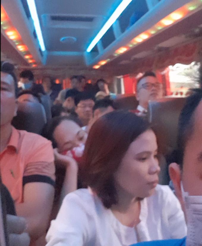 Xe khách của nhà xe Thu Thắng chỉ được chở 29 chỗ nhưng nhà xe này chở lên đến 69 người.