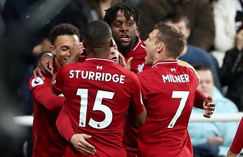 Liverpool chiến thắng màn rượt đuổi tỷ số ở St James' Park.