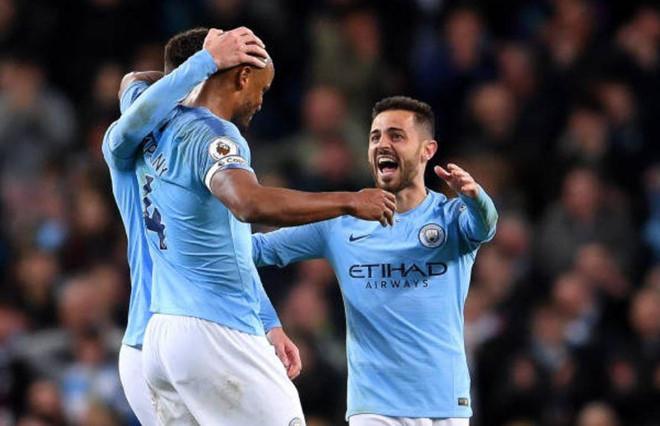 Man City giành thắng lợi khó khăn 1-0 trên sân nhà nhưng chừng đó là đủ để giúp nửa xanh thành Manchester giành lại ngôi đầu từ tay Liverpool với 1 điểm nhiều hơn.  Ảnh: Getty