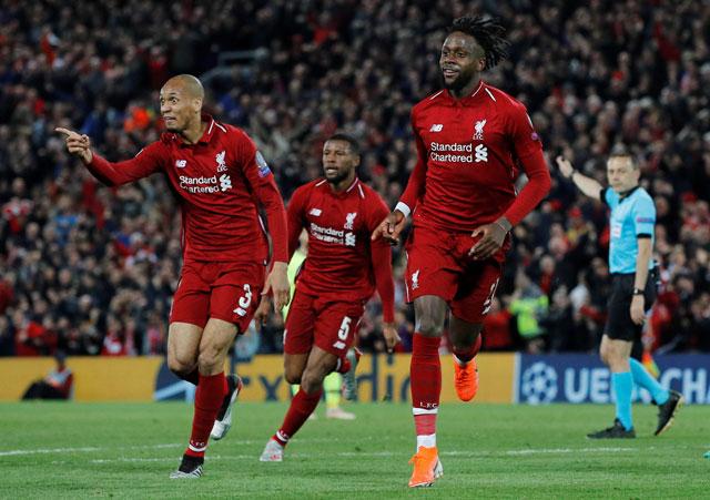 Origi làm cẩu trường Anfield nổ tung với bàn thắng nâng tỷ số lên 4-0.