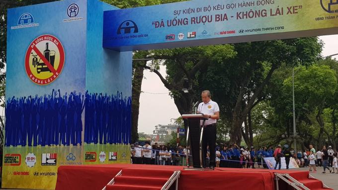 Phó Thủ tướng Thường trực Chính phủ, Chủ tịch Ủy ban ATGT Quốc gia Trương Hòa Bình phát biểu tại lễ phát động.