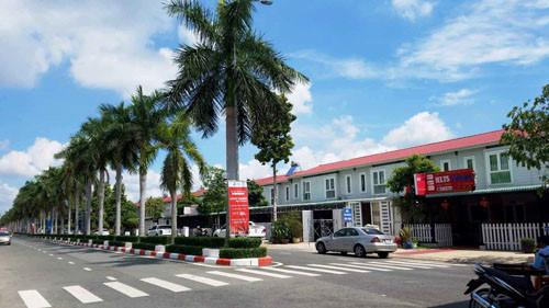 Căn phòng tại khách sạn trong KDC Tiamo Phú Thịnh, phường Phú Thọ, TP Thủ Dầu Một, tỉnh Bình Dương, nơi nhóm phụ nữ lưu trú trước khi bị bắt đang được phong tỏa nghiêm ngặt.