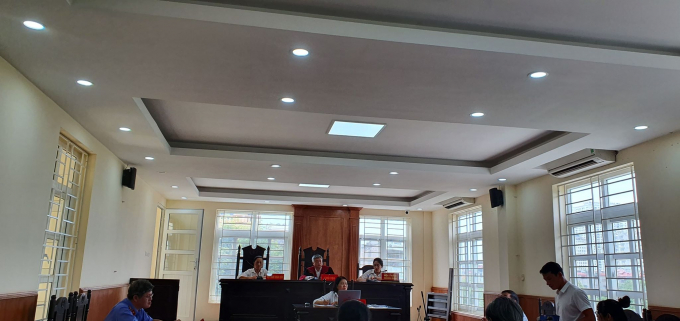 Toàn cảnh phiên tòa sơ thẩm xét xử vụ tranh chấp hợp đồng thuê khoán giữa Công ty KAT và HTX DVTM Việt Trung.