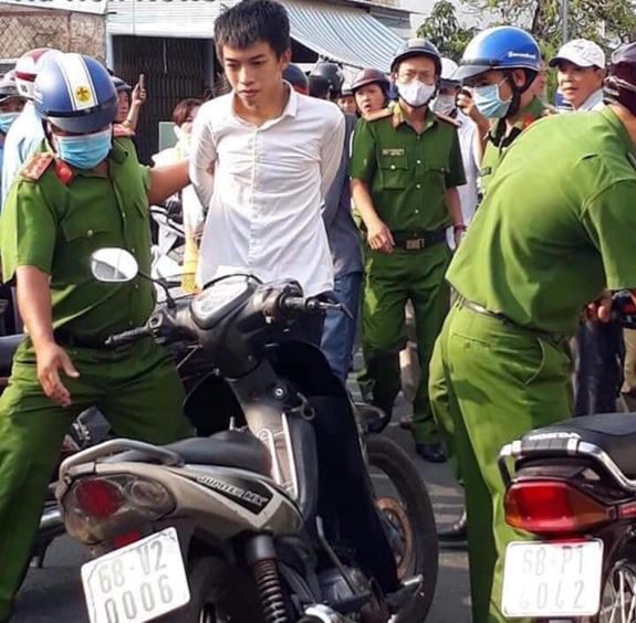 Các đối tượng bị lực lượng công an bắt giữ.