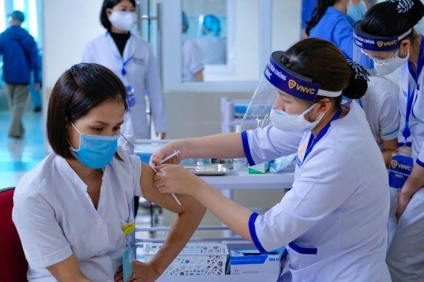Hà Nội thêm 23 ca nhiễm SARS-CoV-2 mới, có 12 người xét nghiệm nhiều lần mới