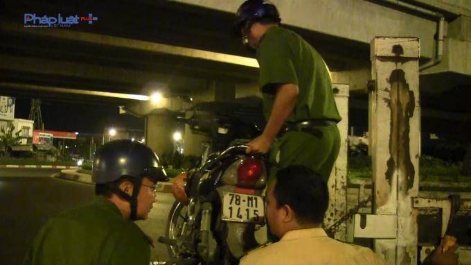 TP Hồ Chí Minh: Va chạm xe taxi một người nguy kịch