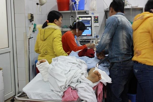 Các phòng cấp cứu kín đặc bệnh nhân.