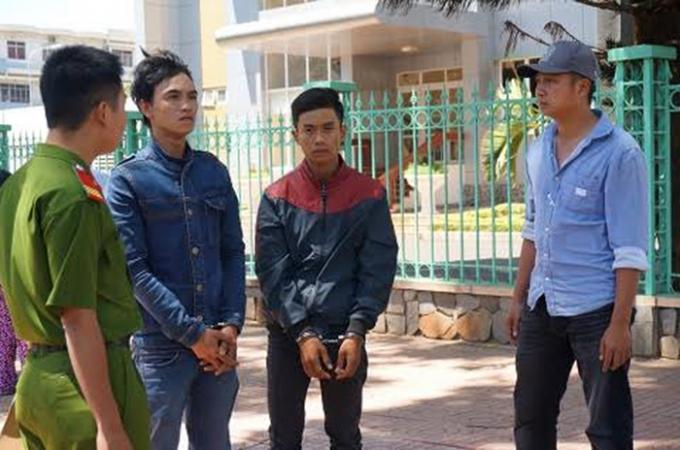Hai đối tượng Huỳnh Đức Phúc và Võ Hoàng Tân bị cơ quan công an bắt giữ.