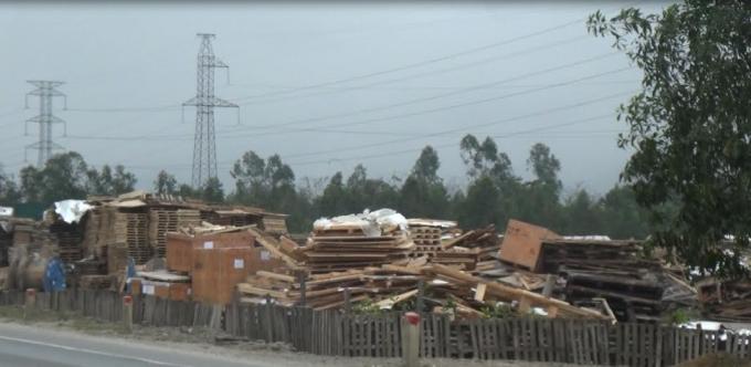 """Các bãi rác khổng lồ """"tự phép"""" mặc nhiên tồn tại."""