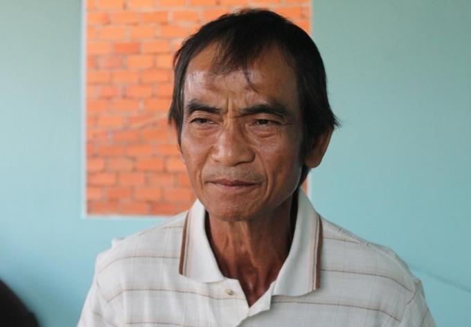 """""""Người tù thế kỷ"""" Huỳnh Văn Nén trong một cuộc nói chuyện với phóng viên."""