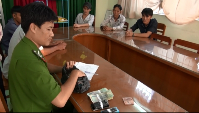 Trà Vinh: Bắt 41 đối tượng đá gà, với số tiền trên 257 triệu đồng