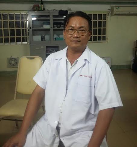 Bác sỹ Nguyễn Văn Hùng, Giám đốc Bệnh viện Phụ sản Vuông Tròn.