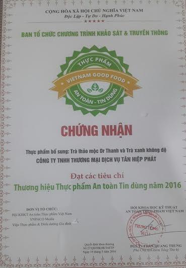 Chứng nhận nhãn hàng Dr.Thanh và nhãn hàng Trà xanh Không độ đạt tiêu chí Thương hiệu thực phẩm an toàn tin dùng 2016.