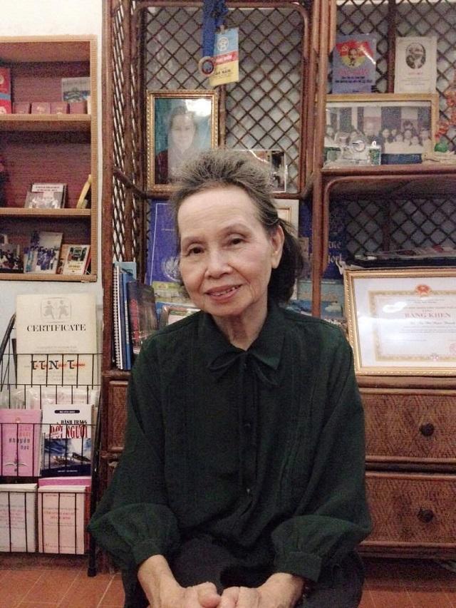 Ở tuổi xế chiều, bà Tạ Thị Ngọc Thanh, Phó Chủ tịch Hội Khuyến học phường Dịch Vọng Hậu vẫn nhiệt huyết, hết minh với công tác khuyến học.